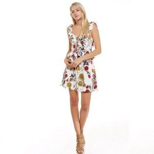 Dresses & Skirts - White Floral Dress 💕